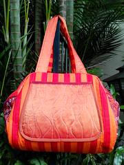 Ref.080 (Marilí Carvalho) Tags: grandes com bolsa em ímãs tecido bolsos zíper matelassê forração