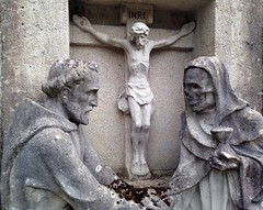 Blieskastel (micky the pixel) Tags: blieskastel kloster friedhof skulptur saarland deutschland germany mönch monk friar sculpture gevattertod grimreaper kreuz cross jesus statue skull