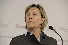 Maria Luís Albuquerque em Conferência de Imprensa