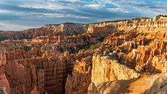 Hoodoos at Sunrise - Explore (Ron Drew) Tags: nikon d800 utah nationalpark brycecanyon brycecanyonnationalpark dawn subnrise hoodoo cliff usa southwest summer