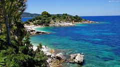 DSC08110-Plaża w Kassiopi na Korfu (dreptacz) Tags: sony korfu grecja lustrzanka krajobraz natura plaża niebo niebieski widok skały kassiopi wyspa morze woda turkus zielony drzewa
