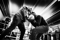 Boxe (KATANGA67) Tags: people personnes boxe boxeurs nb noiretblanc bw blackwhite photography photo photographie paris parisiens urban fujifilmx100 fujix100 fuji x100 contrast monochrome