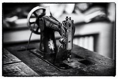 wild working horse - wildes Arbeitspferd (mniesemann) Tags: ifttt 500px nähmaschine sewing machine holz wood tisch black white schwarzweiss schwungrad faden singer leica m pferd horse