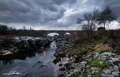 Tormes entre las peñas (Luis Cortés Zacarías) Tags: puente tormes agua piedra nubes salamanca atardecer río congosto