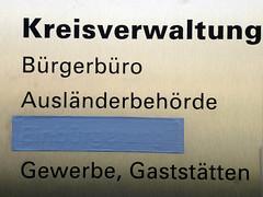 Einbürgerung gestrichen (Friedrich Grössing) Tags: münchen munich bayern bavaria lindwurmstrasse streetphotography strassenfotografie strasse street sendling schild schilder sign grössing groessing germany
