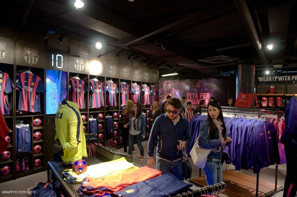 FCBotiga Megastore (Graffyc Foto) Tags  barcelona camp club de football  nikon magasin foto e6a6733fc77