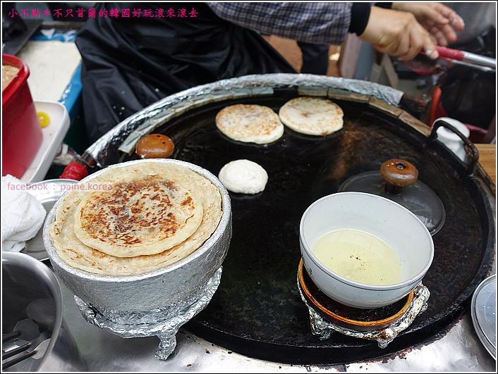 大邱西門市場 剪著吃糖餅特色小吃 (6).JPG