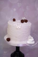 Winter Cake (toertlifee) Tags: törtlifee cake torte winter weiss white tannenzapfen fircone snowflakes schneeflocken perlen pearls