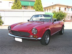 "fiat_124_spider_00 • <a style=""font-size:0.8em;"" href=""http://www.flickr.com/photos/143934115@N07/31094023464/"" target=""_blank"">View on Flickr</a>"