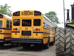 KMR (Nedlit983) Tags: school bus ic fe