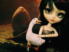 a golden egg goose! (Mina Mimosa) Tags: gold doll dolls egg goose planning groove pullip jun helter skelter ririko