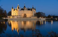 Schloss Schwerin (lhiapgpeonk) Tags: city de deutschland town stadt mecklenburgvorpommern schwerin schwerinerschloss schlossschwerin burgenundschlsser schwerincastle schwerinpalace castlesandchateaus