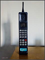 # Movil de última Generacion..( Motorola AMPER Explore II ).. (A.M.G.1969) Tags: movil telefono portatil ultima generacion