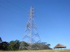 Torre Eléctrica (Wguayana) Tags: venezuela guayana puerto ordaz san félix macagua edelca torre tower power line light cable tendido cabaña choza churuata hut