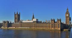The English Parlament and the Big Ben (Santos M. R.) Tags: london londres parlament parlamento torre tower palacio westminster bigben river rio támesis thames