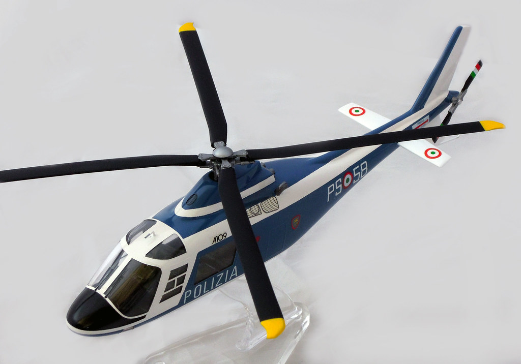 Elicottero A109 : The world s best photos of agusta and polizia flickr