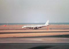 N717UA McDonnell Douglas DC-8-33(F) cn 45390 ln 108 Airlift International San Francisco 25Oct78 (kerrydavidtaylor) Tags: sanfranciscointernationalairport california sfo ksfo dc8 dc830
