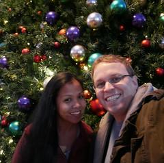 20161210_172545_15_rdl.jpg (radialmonster) Tags: christmastree me sheila triangetowncenter radialmonster raleigh northcarolina unitedstates us