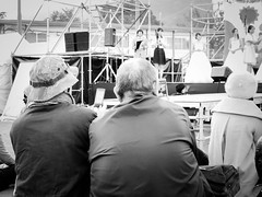 Shashin - DSCN6630 (Mathieu Perron) Tags: japan japon kobe p520 zheld bridge city daily festival gens journey life mathieu matsuri mp nikon people perron personne quotidienne séjour university université vie ville 人 命 大学 日常 日本 滞在 生活 町 神戸 祭り bw black white noir blanc nb 白と黒 白 黒 monochrome モノクローム kōbeshi hyōgoken jp