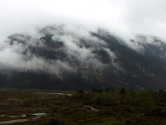 Clouds Mountain 2 (fzlxk) Tags: india sikkim northsikkim mountain cloud inde travel voyage asia asie travelphotography photographiedevoyage montagne nuages