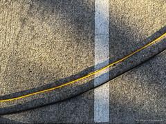 Crossing the border (Jürgen Kornstaedt) Tags: iphone asphalt 6plus colomiers occitanie france fr