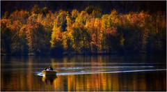 Gerardmer. Promenade sur le lac. (leonhucorne) Tags: gerardmer lac automne vosges france travel tourisme barque navigation nikon d80 couleurs flickrtravelaward