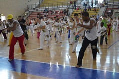 "Stage - XV Batizado Naçao Capoeira Palermo • <a style=""font-size:0.8em;"" href=""http://www.flickr.com/photos/128610674@N06/18327689284/"" target=""_blank"">View on Flickr</a>"