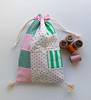 D. / Ms Fátima (Canela Cheia) Tags: artesanato green handicraft handmade patchwork pink portugal quadrados retlhos rosa squares stringbag talego tradicional verde