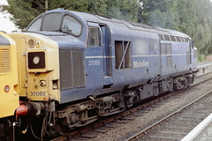 37065 Alresford 260402 (AlanTaitRailwayArchive) Tags: class37 tractor 37065 alresford mhr