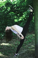 Maëlyss (alaesphotography) Tags: nature girl out outdoor gym extérieur fille jeune gymnastique souplesse