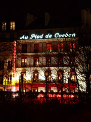 Au Pied de Cochon (Toni Kaarttinen) Tags: paris france night lights restaurant evening pig frankreich frana frankrijk pied prizs cochon francia iledefrance parijs parisian pars  parigi frankrike  pary   aupieddecochon francja ranska pariisi  franciaorszg  francio parizo  frana