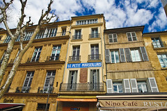 Aix en Provence (salvatore zizi) Tags: old city windows people en france streets buildings town ancient village looking strasse medieval ventanas age april around provence middle avril francia rues ville salvatore aix vieux provenza fenetres zizi 2015 strassen outdoorr