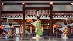 Maiko odori (Tim Ravenscroft) Tags: maiko geisha odori dance setsubun yasaka shrine kyoto japan