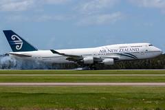 ZK-NBV / Air New Zealand / Boeing 747-419 (Charles Cunliffe) Tags: canon7dmkii aviation brisbaneairport ybbn bne airnewzealand anz nz boeing 747 747400 zknbv