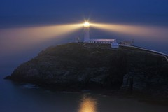 South Stack Lighthouse, Anglesey. (Thicks Aside) Tags: lighthouse south stack anglesey wales light night