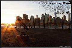 "Dumbo sunset <a style=""margin-left:10px; font-size:0.8em;"" href=""http://www.flickr.com/photos/66444177@N04/18064738543/"" target=""_blank"">@flickr</a>"