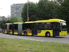 "Utrecht: Van Hool AGG300 ""U-OV"" (harry_nl) Tags: netherlands utrecht nederland vanhool 2015 agg300 4210 uov qbuzz zz9525"