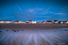 I want to break free . (david galliez) Tags: mer eau sable ciel nuage vague plage poselongue nikond700 wissant2015