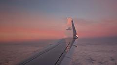In the air tonight ... (Alex Verweij) Tags: krakau krakow klm vliegen flight evening avond avondrood vleugel wing sky air lucht wolk stedentrip 2016