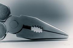 Jaws (Inky-NL) Tags: metal metaal staal steel monochrome macromondays contraption ingridsiemons©2017 jaws tool tools tang blackandwhite bw blackandewhite macro fujixt2 fuji60mmf24