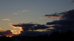 Lake Champlain Valley Sunset - IMGP6275 (catchesthelight) Tags: addisoncounty nearlakechamplain sunset overfarmland sky vistas endofday farewelltovt vermont tothewest