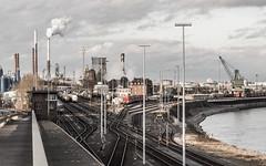 Rheinlandschaft (lars_uhlig) Tags: eisenbahn 2017 wesseling godorf deutschland rhein rhine rheinland hafen rangierbahnhof schornstein rauch gleise weichen chimney