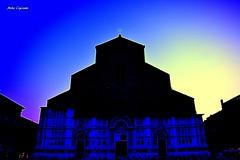 San Petronio... (michelecipriotti) Tags: bologna emiliaromagna piazzamaggiore sanpetronio chiesa colori azzurro