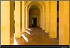 Séville - Passage jaune (François Leroy) Tags: françoisleroy espagne andalousie séville porte jaune colonnes architecture passage ombre lumière