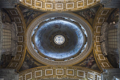 Interior of St. Peter in the Vatican (agustiam) Tags: sanpedrodelvaticano saintpeterinthevatican vatican saintpeter dome cupula art architecture arquitectura rome roma colors basilica