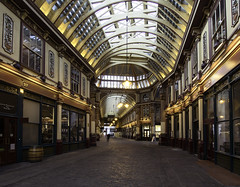 Leadenhall Market (sisyphus007) Tags: leadenhallmarket lloydsoflondon lloydsbuilding london londonarchitecture olympus olympusomd olympusomdem5 oli micro43 μ43 ©2017michaelkiedyszko