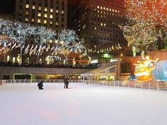 Proposal On The Ice (Joe Shlabotnik) Tags: manhattan iceskating rockefellercenter newyorkcity skating december2016 nyc 2016 60225mm