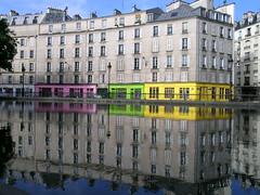 Canal Saint-Martin - Paris (France) (Meteorry) Tags: paris france colors saint reflections canal europe martin valmy quaidevalmy couleur canalstmartin canalsaintmartin meteorry quaidejemmapes jemmapes