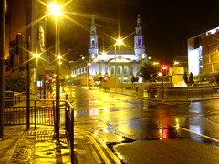 Leeds Civic Hall / Millenium Square (JohnSeb) Tags: city trafficlights streets wet rain night golden webcam nightlights leeds roads aftertherain westyorkshire milleniumsquare civichall johnseb fujifinepixf11