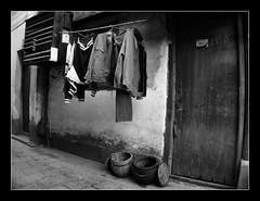 Zhujiajiao, China (Fernando Porto) Tags: china street brazil blackandwhite bw streets pb gmi grupomineirodeimagens pretoebranco zhujiajiao
